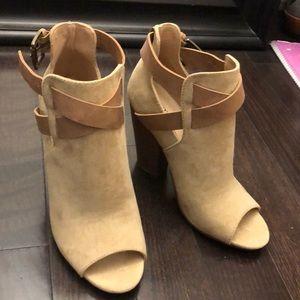 Gorgeous heeled bootie